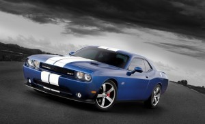 Dodge-Challenger_SRT8_392_2011_800x600_wallpaper_04