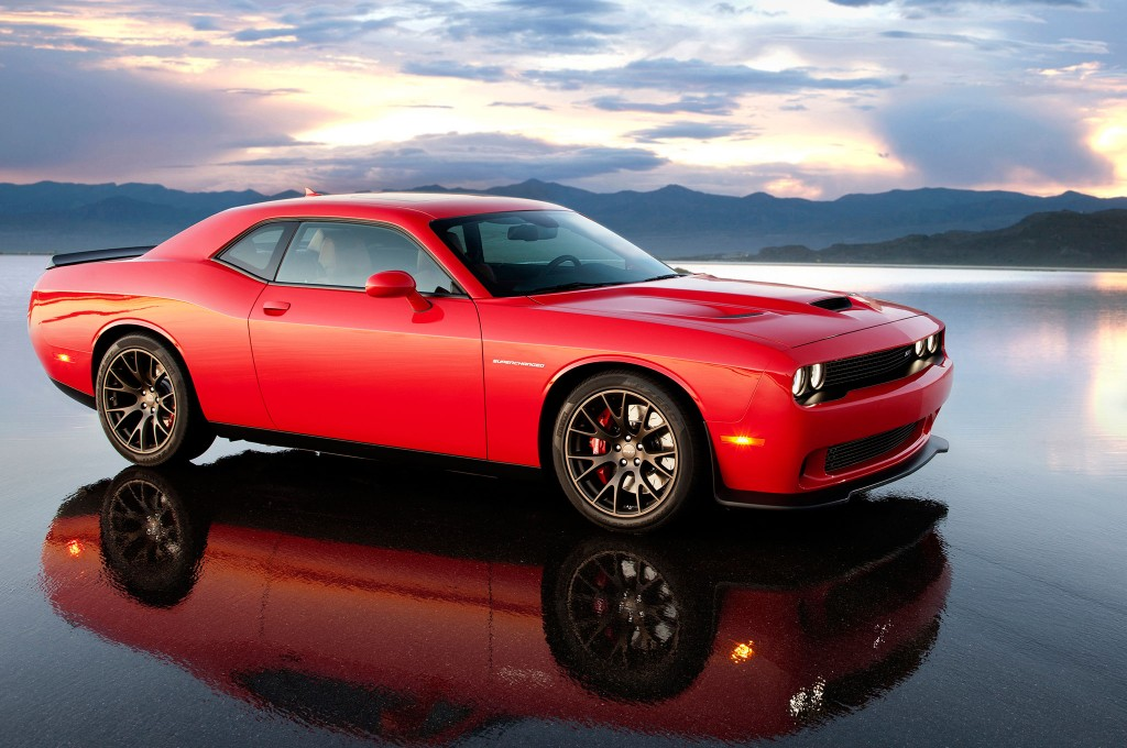 2015_dodge_challenger_srt_hellcat_red_wallpapers